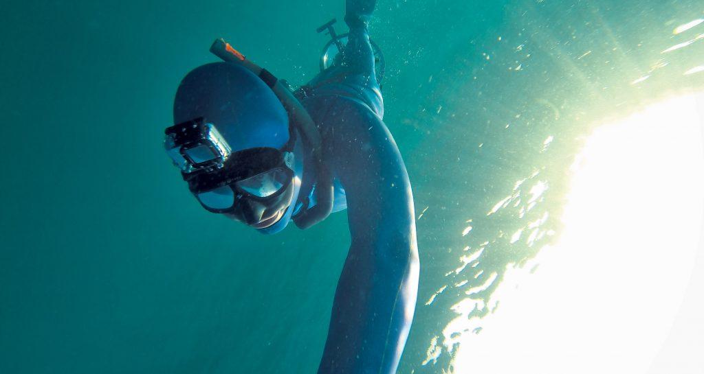 5a3805f1501 Le masque de plongée ProMask avec support GoPro est idéal pour pratiquer le  snorkeling. Il vous laissera les mains libres et permettra de filmer ce que  vous ...