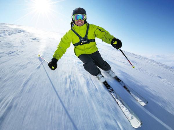 top 10 des accessoires gopro pour le ski blog la cam ra embarqu e. Black Bedroom Furniture Sets. Home Design Ideas